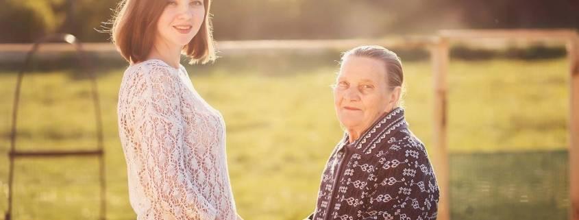 Comunicazione e anziani e badante