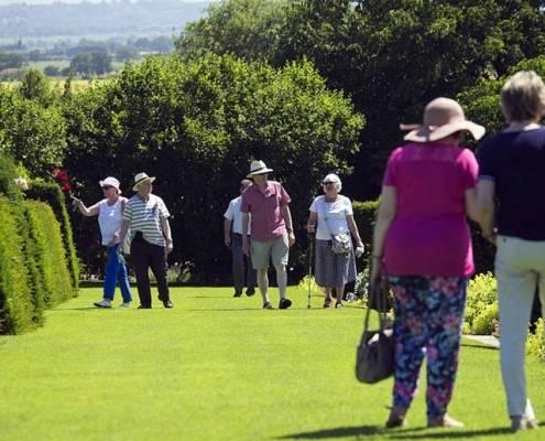 Sport e anziani e badante