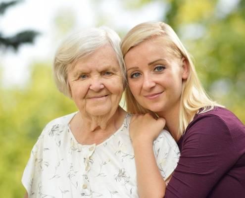 Reumatismi negli anziani e badante