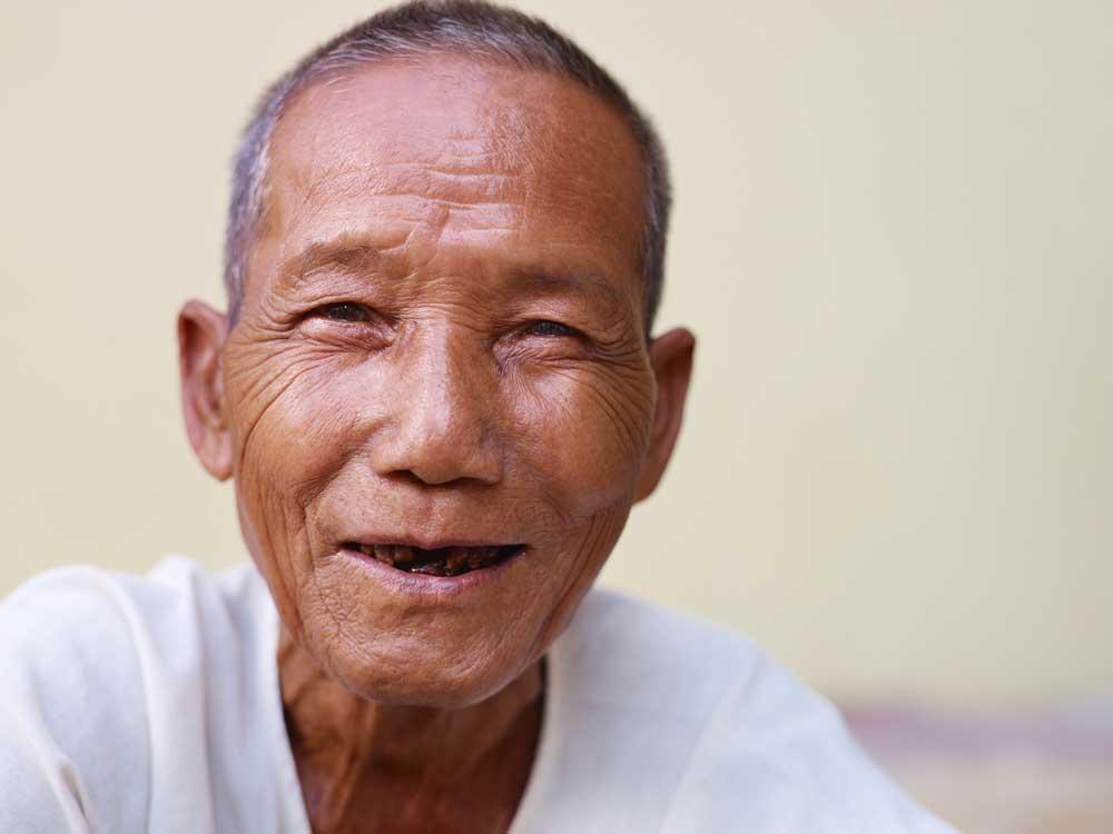 Assistenza anziani dentiera