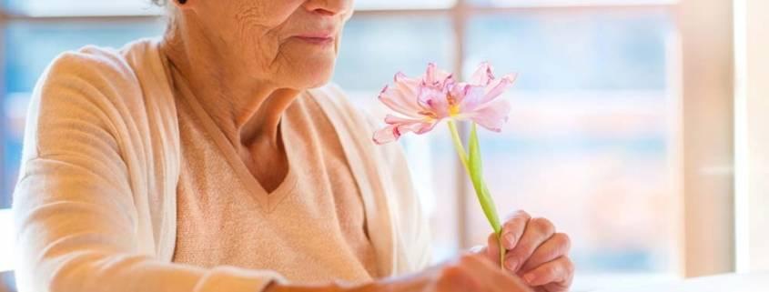 Badante attenta Riconoscere patologie anziani