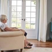 Solitudine anziano badanti