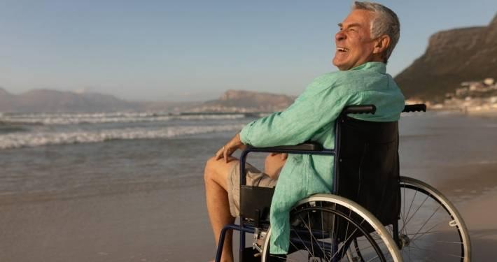 Mare, montagna e anziani: l'aiuto della badante