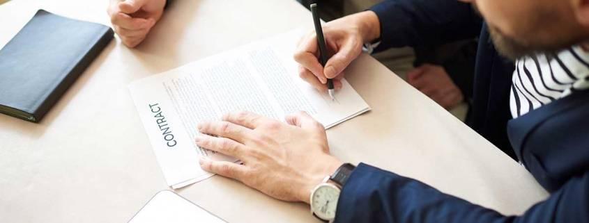 Badante contratto prestazioni