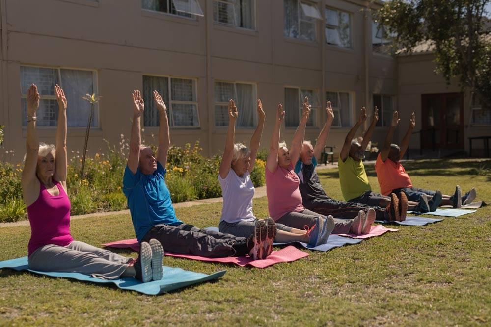 Anziani Badanti Esercizi Fisici