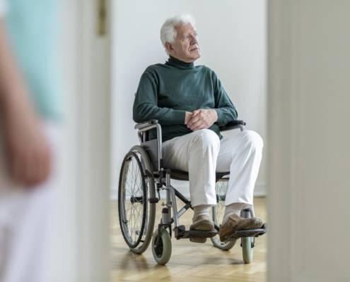 maltrattamento anziani badanti vittime